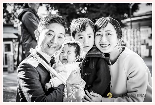お宮参りの日の家族写真