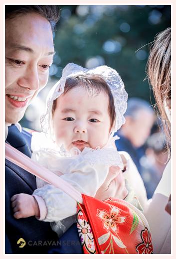 初宮参り お宮参り 笑顔の赤ちゃん