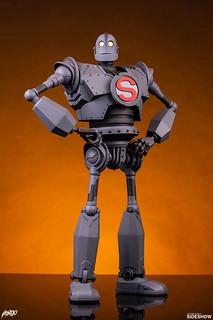 「你留,我走,不要跟著我。」MONDO 全新系列 MONDO MECHA 推出「鐵巨人 (Iron Giant)」可動人偶! 普通版/ MONDO限定版同步登場