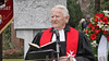 Der siebenbürgische Priester Hermann Kraus während seiner Ansprache