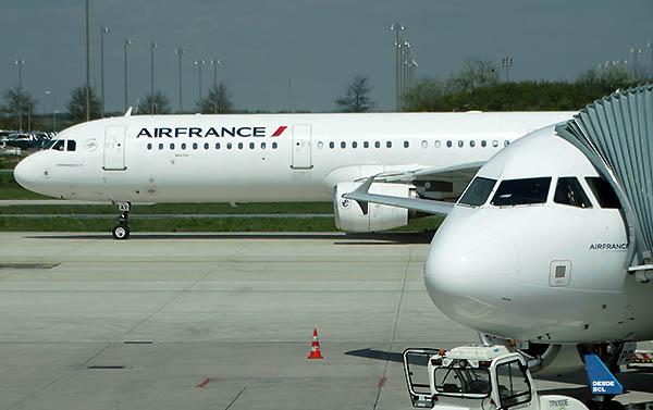 Air France A321 CDG T2F (RD)