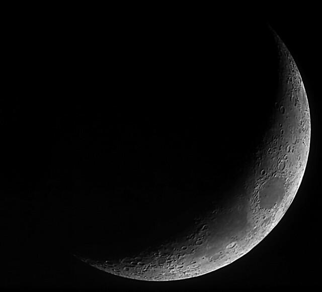 20% Waxing Crescent Moon 29/01/20