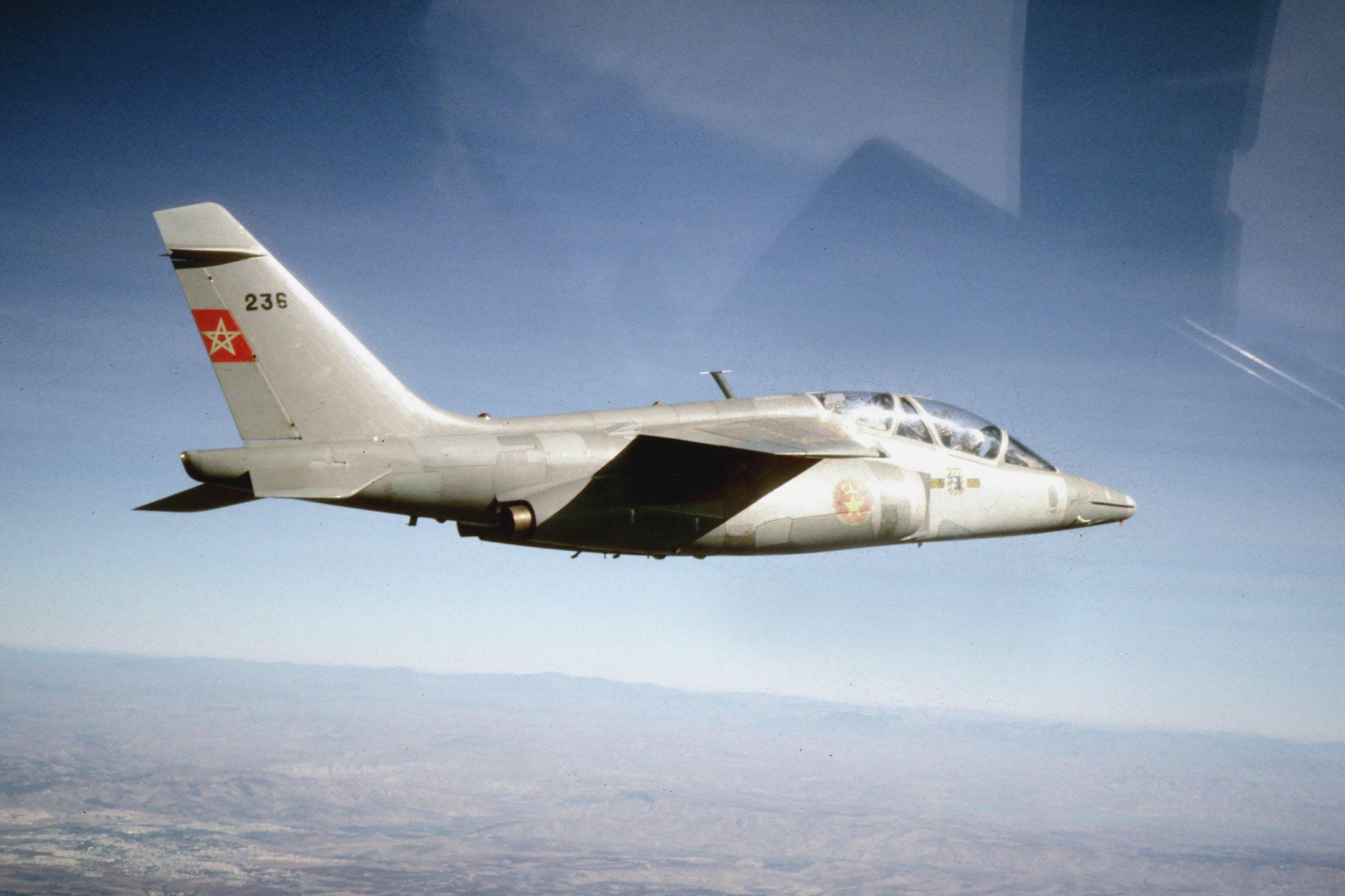FRA: Photos avions d'entrainement et anti insurrection - Page 9 49461541692_464799048d_k