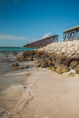 bahia honda state park sand mexico blue water tree nature shore ocean outdoors colorful landscape travel paradise beach sandy green sky clouds scenery scenic tourism palm florida keys trees beautiful key vacation west gulf color largo usa amazing keylargo tropical private summer red sunrise