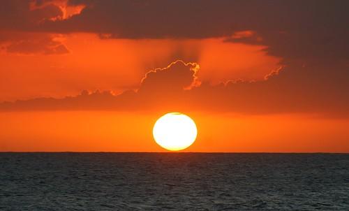 samenightlyshow sundown sunset dusk jamaica caribbean sun caribbeanocean