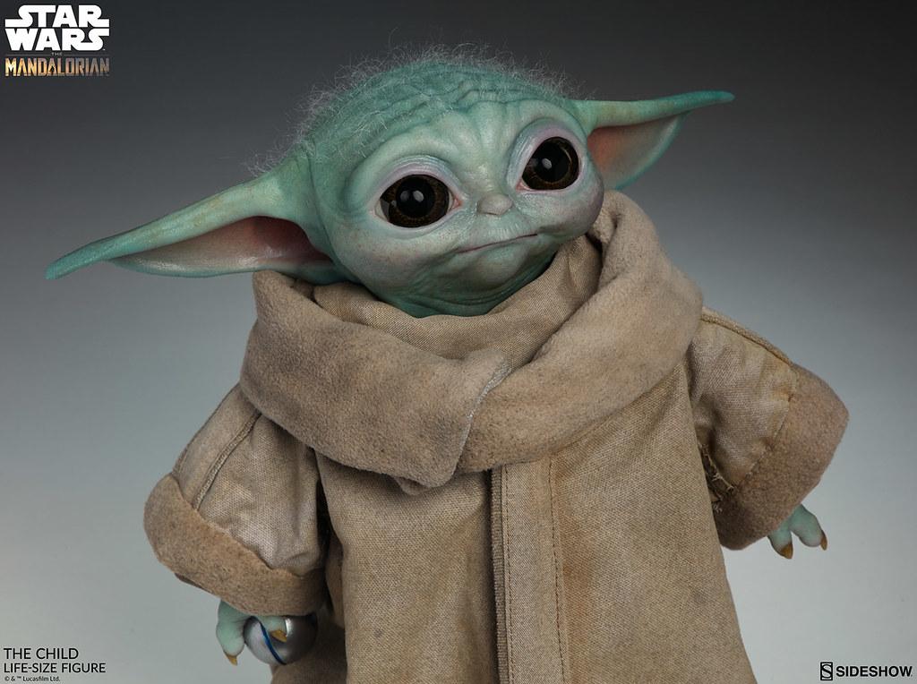 頭頂的稀疏細毛真可愛~ Sideshow Collectibles《曼達洛人》1:1 比例的尤達寶寶(Baby Yoda)「The Child」雕像逼真登場!