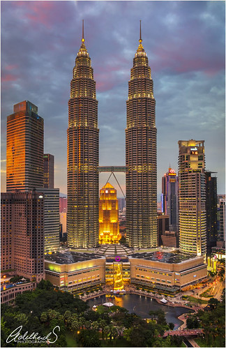 adelheidspictues adelheidsphotography adelheidsmitt malaysia kualalumpur kl petronastowers tradershotel cityview viewpoint bluehour sunset asia modernarchitecture contemporaryarchitecture