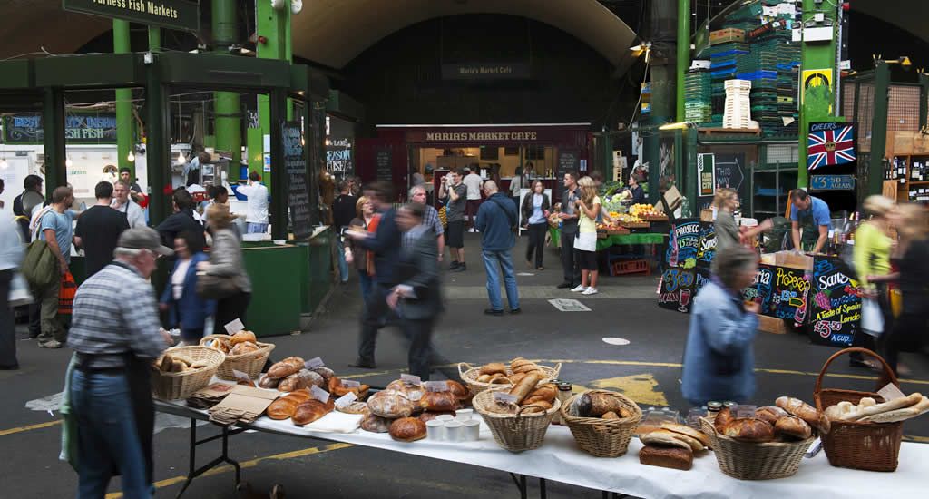 Goedkoop eten Londen: Borough Market (foto met dank aan Visit London) | Mooistestedentrips.nl