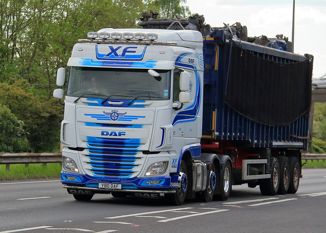 Truck spotting on the A63 heading towards Hull
