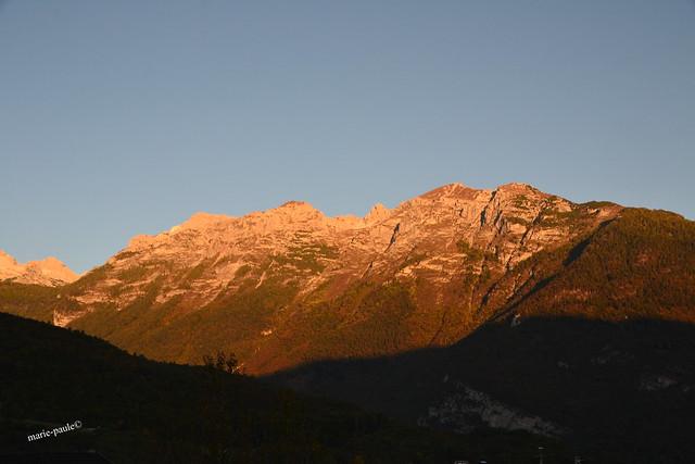 Blick auf die Dolomiten am frühen Morgen