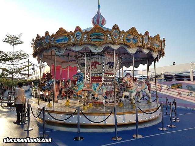 plearn wan hua hin carousel