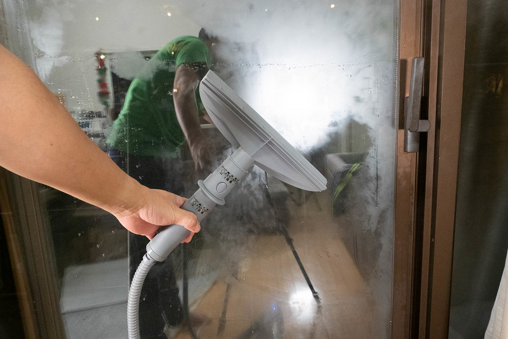 HANDY_STEAM_CLEANER-19