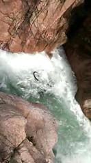 Un VTT lâché dans le toboggan sous le pont de Figa