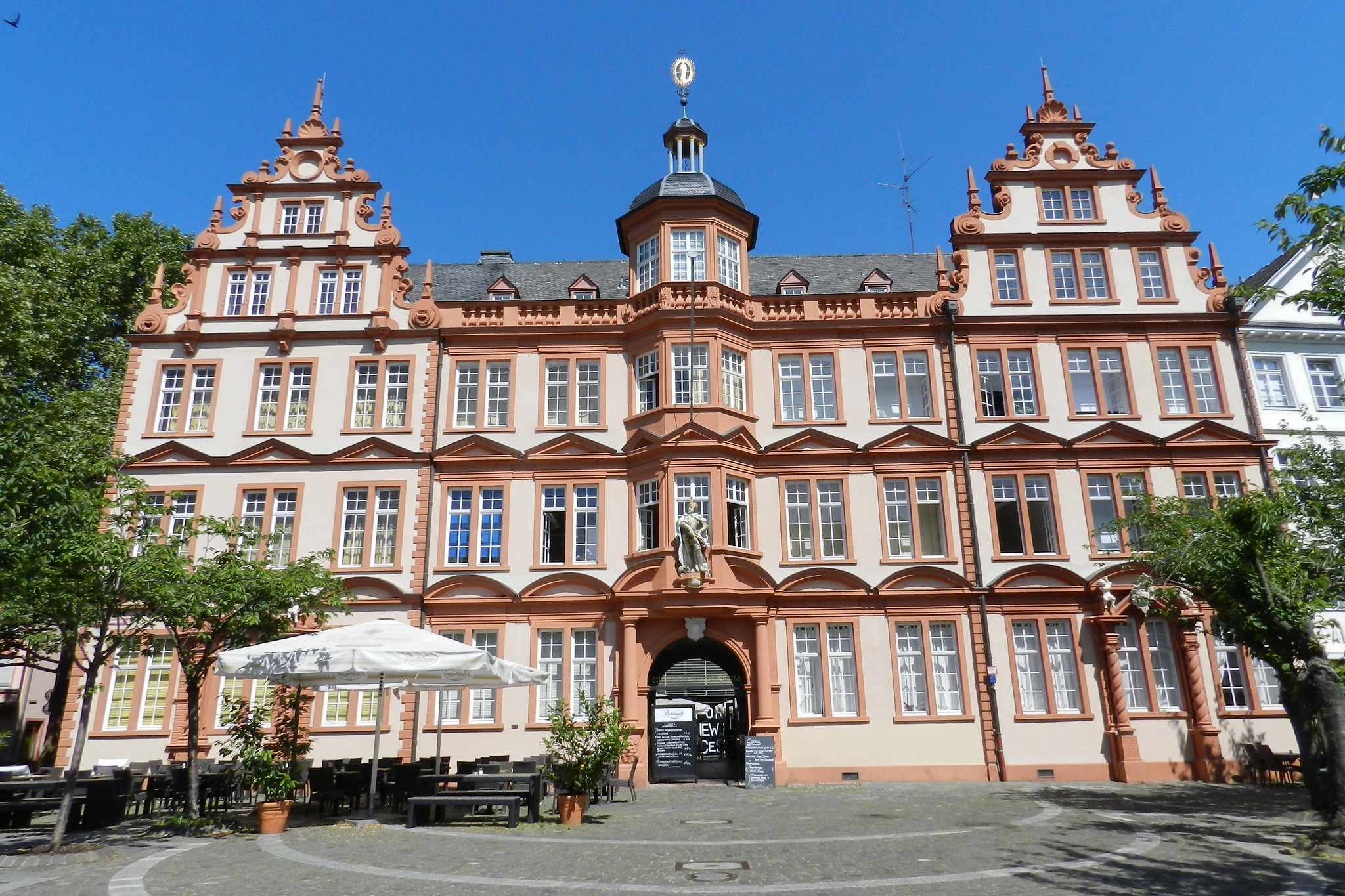 edificio Museo Gutenberg museum Mainz Maguncia Alemania