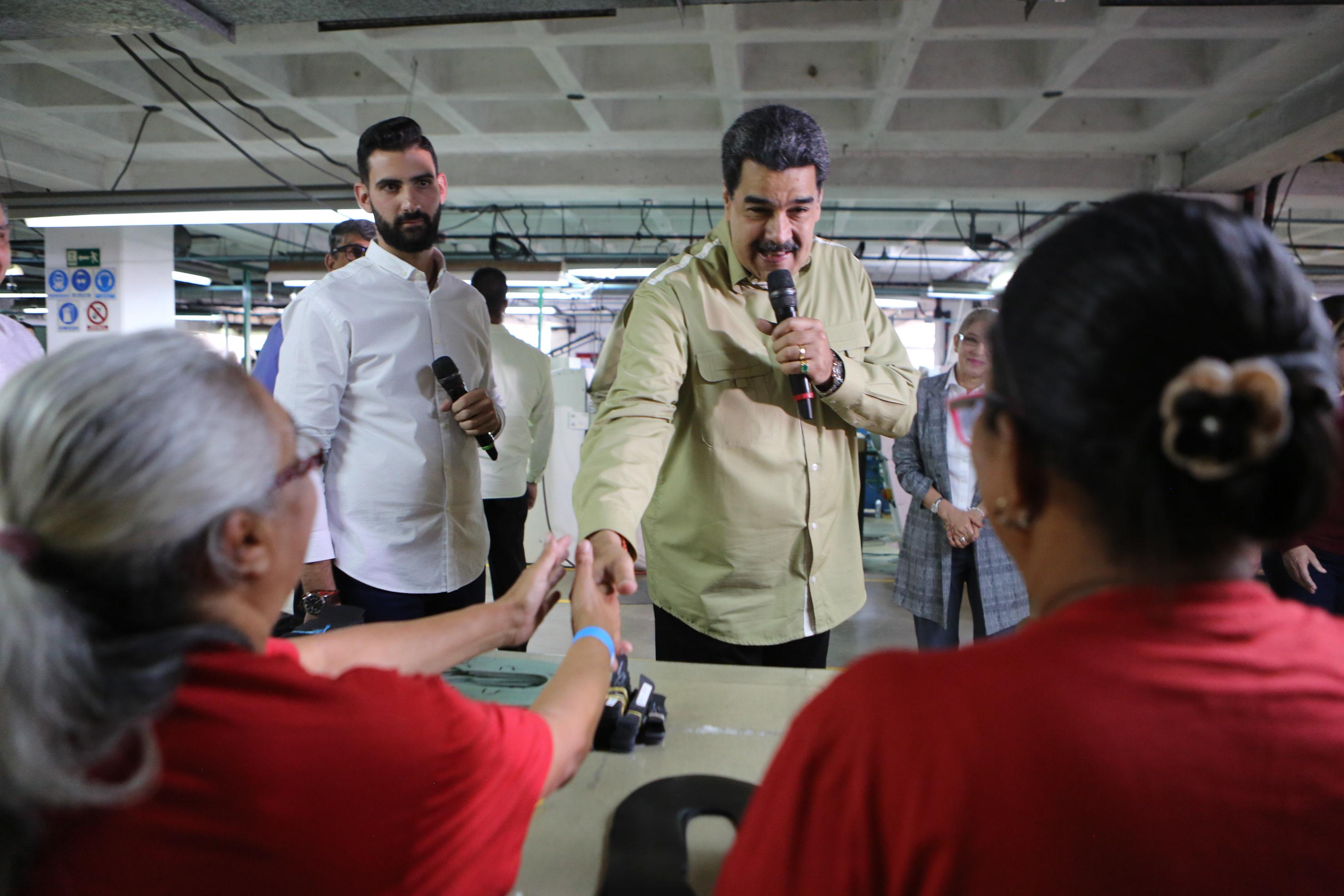 Venezuela está dispuesta a restablecer relaciones consulares con Colombia