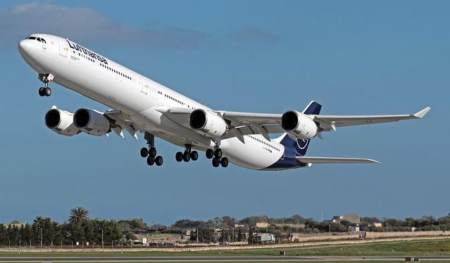 D-AIHH LMML 30-01-2020 Lufthansa Airbus A340-642 CN 566