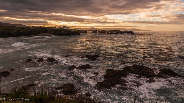 sunset Os Castros .)1809/336