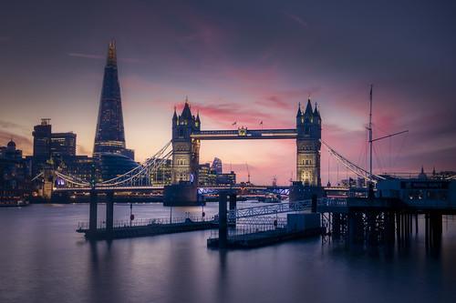 tower bridge london sunset