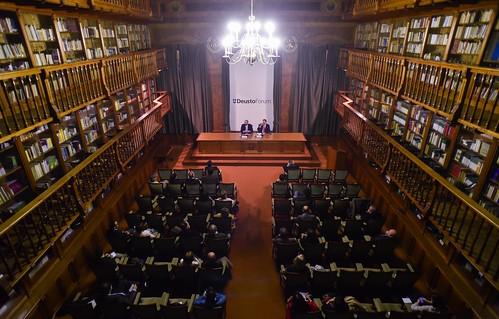 """Conferencia DeustoForum. Fuad Chahín: """"Los días que cambiaron el futuro de Chile"""""""