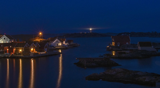 Flekkerøy by night with Oksøy lighthous