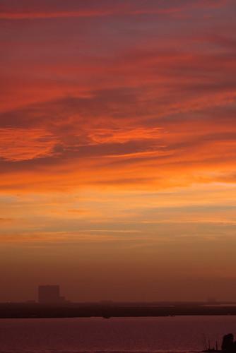 clouds maxbrewermemorialparkway sunrise titusville vab canonef100400mmf4556lisusm rawtherapee