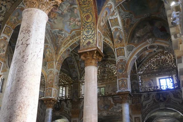 Transition avec le baroque, mosaïques romano-byzantines, église de la Martorana (XIIe-XVIe-XVIIIe) ou Santa Maria dell'Amiraglio, piazza Bellini, Palerme, Sicile, Italie.