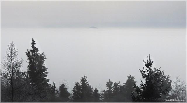 Blick zur fernen Donnersberginsel