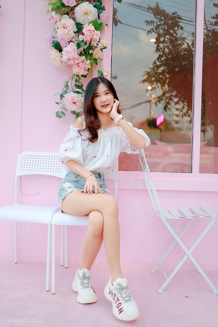 Clean-Pink-Cafe-05
