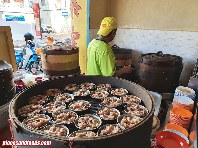 melaka low yong moh steamed pork ribs