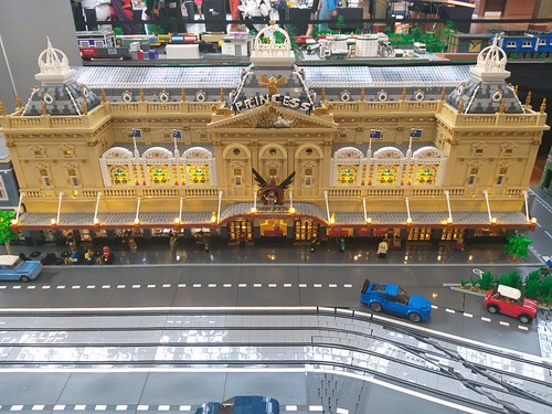 MLTC Brickvention 2020 (173) - Princess Theatre & W Class Tram Module