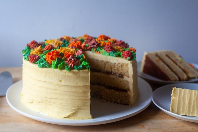 new classic wedding cake