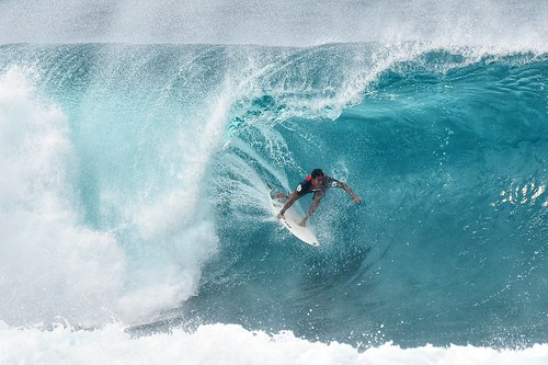pipeline wave competition pro surf surfing banzaipipeline sunsetbeach hawaii northshore bigwave surfer pipe line board extreme sport big ohau waialua