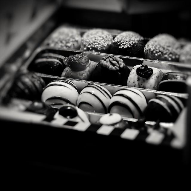 Tasty sweets ⬛⬜