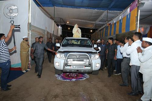 Satguru Mata Ji blessing the devotees at Samagam Ground