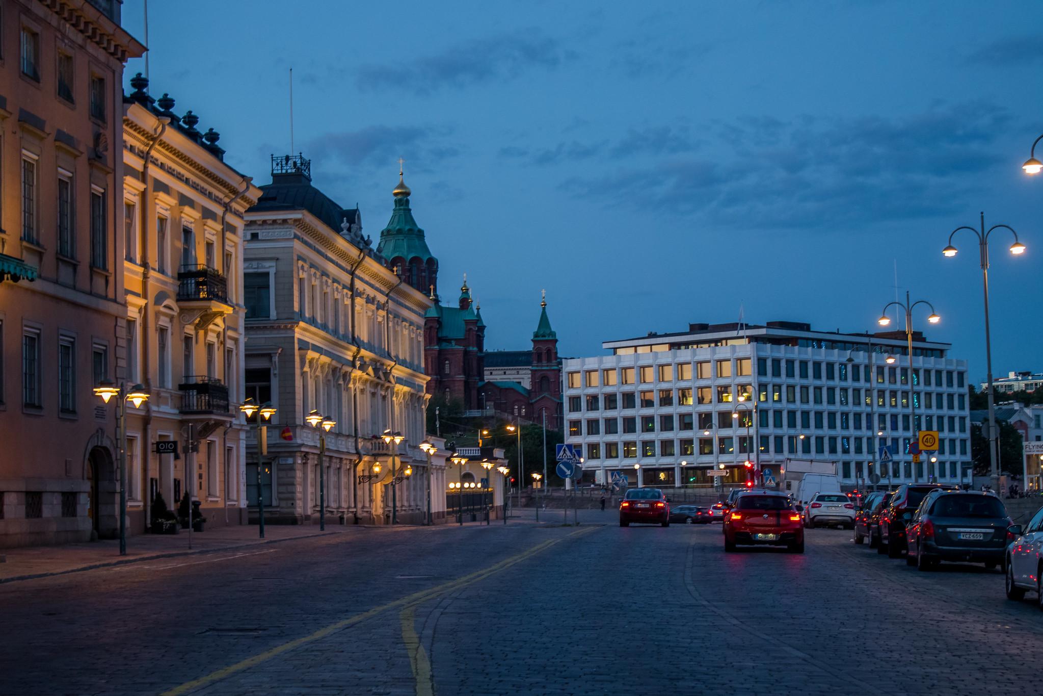 Центр Хельсинки вечером