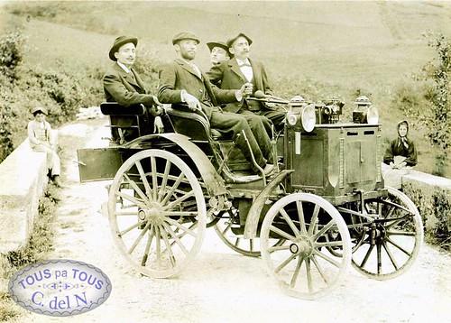 1895 - El primer automóvil en Cangas