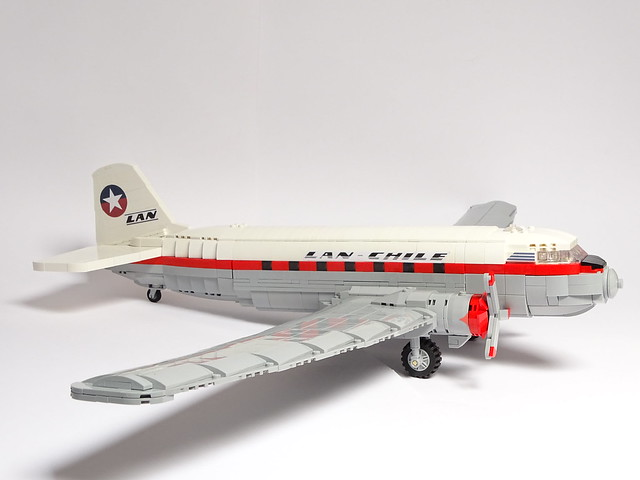 Douglas DC-3C 1:40 Scale LEGO Model