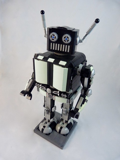 Wind-up toy robot