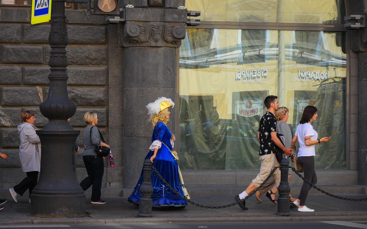 МОДНЫЙ ПРИГОВОР РОССИЙСКИМ СТОЛИЦАМ People-Moscow-Piter-(49)