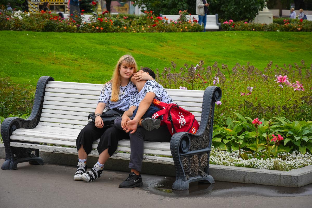 МОДНЫЙ ПРИГОВОР РОССИЙСКИМ СТОЛИЦАМ People-Moscow-Piter-(19)