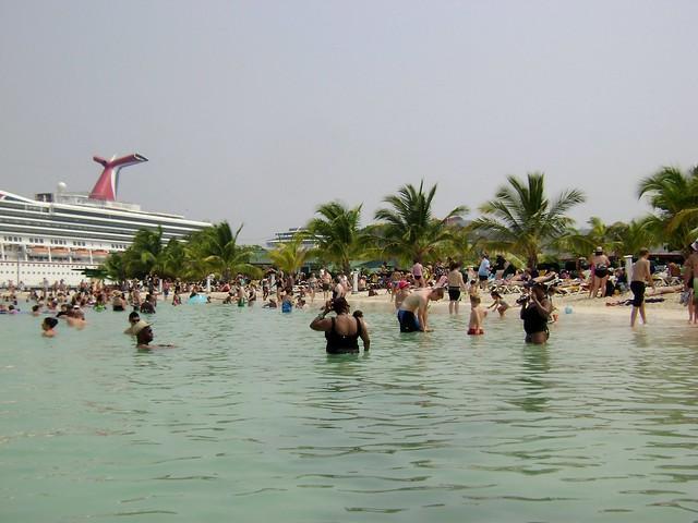 Mahogany Beach - Roatan, Honduras