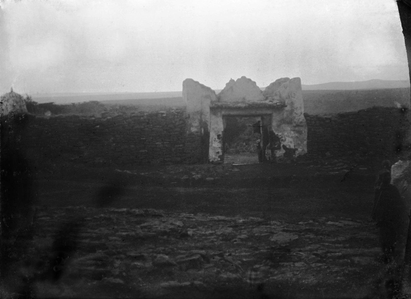 183. Ворота при входе в ограду могилы Шейх-Гуссейна
