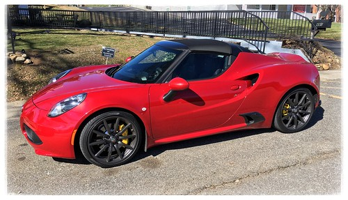 alpharomeo 4cspider sportscars italiancars photostevefrenkel red