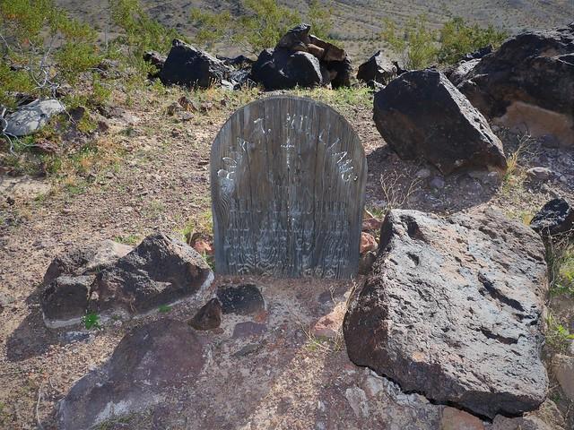 Grave Marker Rosa 7D2_5010