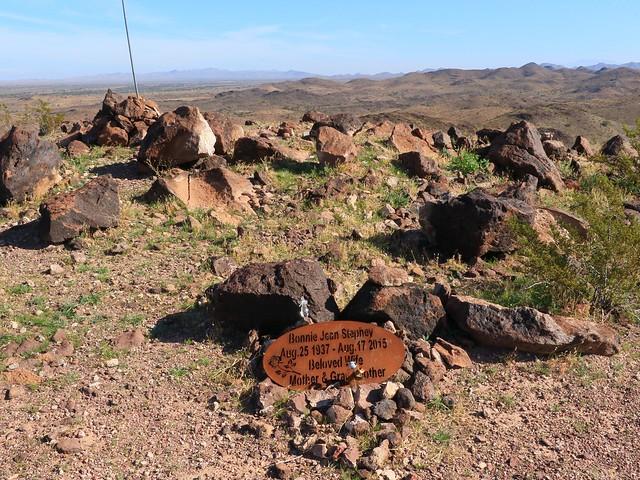 Grave Marker Bonnie 7D2_4963