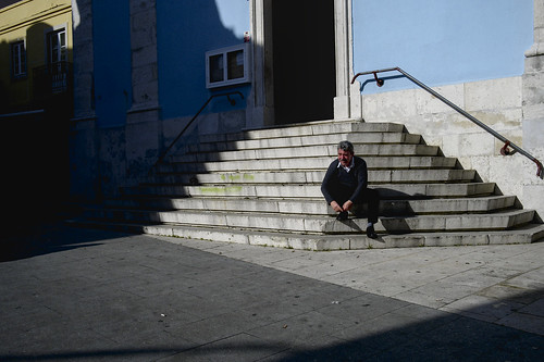 Shoe lace tying spot #street #lisbon #portugal #t3mujinpack