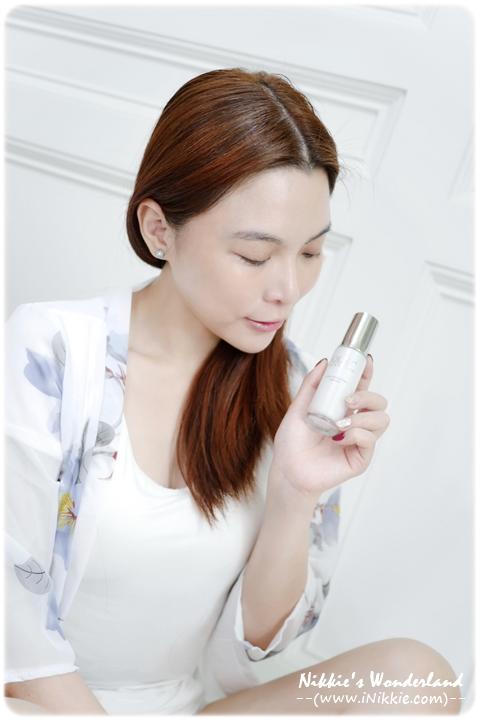 Olay 高效透白光塑淡斑精華 光感小白瓶