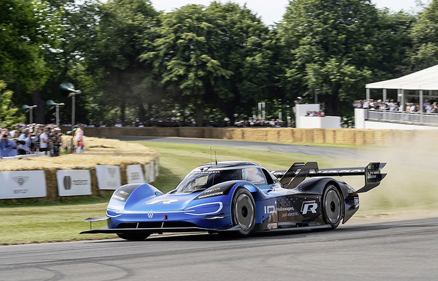 The electric Volkswagen ID.R is on the hunt for more records. Se