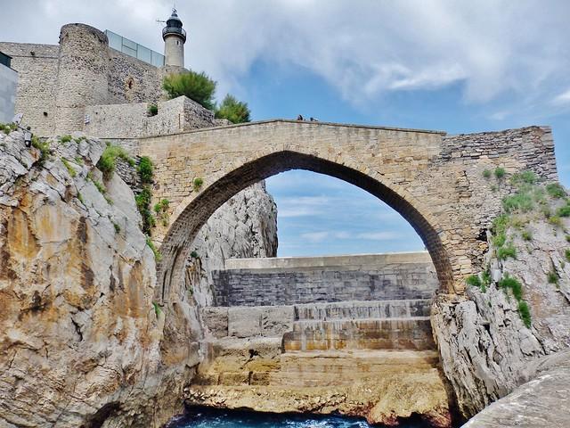 Castro Urdiales - Puente, faro y Castillo - Cantabria