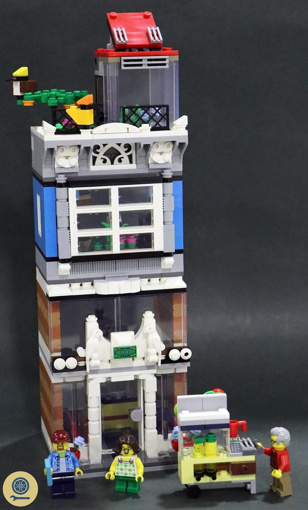 31097 Townhouse Pet Shop & Café 11